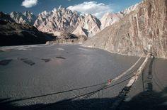 Puente de Hussaini (Pakistán): el más peligroso del mundo - Los 50 destinos más peligrosos del mundo: viajes no aptos para personas…