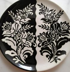 Silhouette Portrait, Hand Painted Ceramics, Tile Art, Pottery Art, Kitchen Decor, Stencils, Diy And Crafts, Projects To Try, Plates