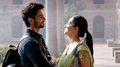 Love Songs Lyrics, Cute Love Songs, Beautiful Songs, Bollywood Couples, Bollywood Celebrities, Indian Celebrities, Bollywood Stars, Love Status Whatsapp, Shahid Kapoor