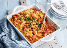 Tuna pasta bake recipe: save time and effort with this tasty and easy to make tomato-based tuna pasta bake recipe. Click now to find out more