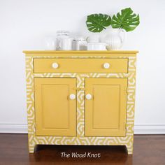 The Wood Knot is an online furniture store that restored antique wood furniture. Refurbished Furniture, Painted Furniture, Furniture Design, Pine Dresser, Online Furniture Stores, How To Antique Wood, Console Table, Chalk Paint, Entryway Tables