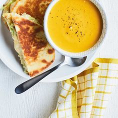 Cream of Carrot and Red Lentil Soup Ricardo Carrot And Lentil Soup, Mushroom Barley Soup, Soup Recipes, Cooking Recipes, Ricardo Recipe, Soup And Sandwich, Soups And Stews, Lentils, Carrots