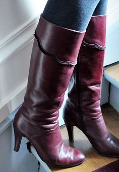 Wishing I had a smaller foot.  =(  My mom had some of these when I was young....oh to be a size 7 and able to wear her (now) vintage boots!
