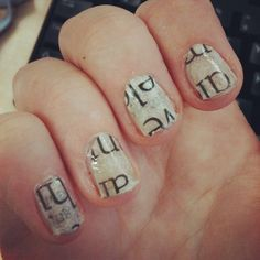 V v v thin newspaper + clear nail polish. Clear Nail Polish, Clear Nails, Newspaper, Hair And Nails, Latest Trends, Craft Ideas, Crafts, Beauty, Light Nails