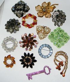 Vintage Rhinestone BROOCH pin LOT costume jewelry 14 brooches pins Weiss  Coro