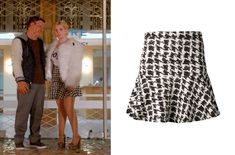 chanel-5-houndstooth-skirt-scream-queens