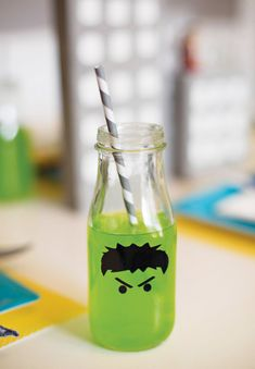 Incredible Hulk drinksing glasses for Avengers superhero party - Visit to grab an amazing super hero shirt now on sale! Avengers Party Ideas, Avengers Crafts, Avenger Party, Hulk Party, Hulk Birthday Parties, Superhero Birthday Party, Birthday Ideas, Birthday Fun, Just In Case