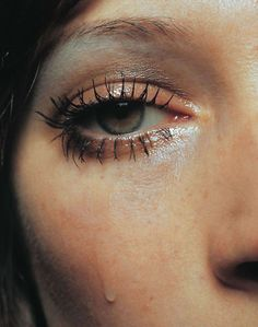 """photo in relation to Thomas Saliot's """"As Tears Go By"""" ?"""