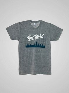 """アメリカンアパレルの人気のトライブレンドトラックシャツに""""New Yorker""""のロゴが入りました。"""