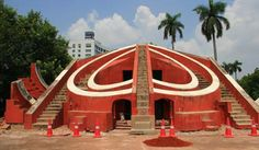 Interiors of Jantar Mantar is magnificent a towering curved roof and polished stone floors. Its structure is used to determine the position of astral bodies.