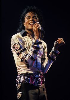 ♥ Michael Jackson ♥ m......a......g......i......c!!!