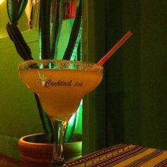Πως να φτιάξετε Κοκτειλ Μαργαρίτα. Συνταγές για κοκτειλ Μαργαρίτα. Most Popular Cocktails, Easy Cocktails, Cocktail Recipes, Margarita Cocktail, Triple Sec, Tequila, Martini, Drink, Tableware