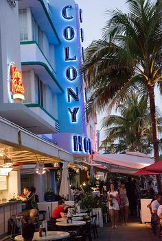 Colony Hotel, South Beach, Miami by 2sonik, via Flickr