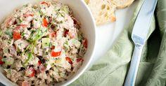 Recette de Salade d'avocats au thon et citron. Facile et rapide à réaliser, goûteuse et diététique. Ingrédients, préparation et recettes associées.