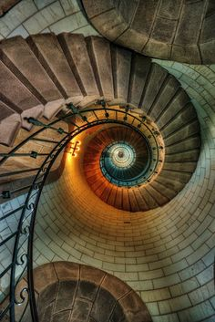 'Look up' wide angle lens/fish eye. Spiral stairs works well, also maybe below a statue.rh'Look up' wide angle lens/fish eye. Spiral stairs works well, also maybe below a statue. Beautiful Architecture, Beautiful Buildings, Architecture Details, Interior Architecture, Stairway To Heaven, Grand Staircase, Staircase Design, Modern Staircase, Beautiful Stairs