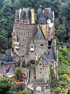 Castell (château fort) Eltz - Eifel, near Münstermaifeld Germany