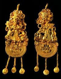 Gold earrings with Pallaeus and Tethys,Eritrea, 2nd quarter of 5th century B.C., Athens, National Archeological Museum