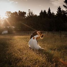 Sunset at Trents Vineyard in Christchurch, New Zealand 💕💕 ⠀⠀⠀⠀⠀⠀⠀⠀⠀ Got Married, Getting Married, Wedding Locations, New Zealand, Vineyard, Sunset, Couple Photos, Couples, Couple Shots