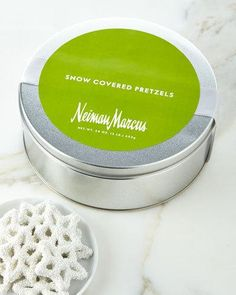 Q51WZ NM Exclusive Snowflake Pretzels