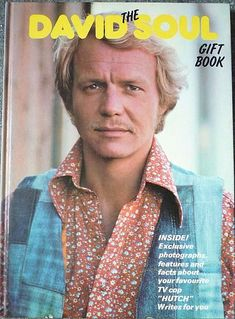 A look back at the TV cop series Starsky and Hutch with soundtrack/theme music and opening titles video and photos of Paul Michael Glaser and David Soul. Cops Tv Show, Cop Show, 1970s Hairstyles, Paul Michael Glaser, David Soul, You Are My Forever, Blonde Moments, 70s Tv Shows, Starsky & Hutch