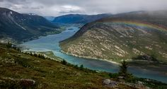 A river leading to the town of Lom in Jotunheimen Norway [OC] [5472x2950] http://ift.tt/2a16JET @tachyeonz