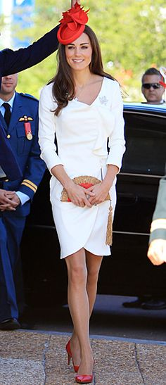 So elegant...I love how she wears her outfits more than once!