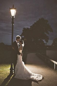 18 Extremely Cute Wedding Photos To Cling Your Soul ❤ We believe that some cute wedding photos shall remove all stress from you, groom, bridesmaids. Just turn on your imagination and make them all say 'awww'! See more: https://www.pinterest.com/pin/523050944206547895/ #weddings #photography