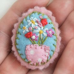 Hand Embroidered Felt Brooch with Pink Flowers and Daisies in a Polka Dot Vase…