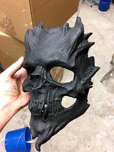 Bone Warrior, Matte Black Version Skull Mask/Demon Skull/Horror Halloween, Kostüm, fertig - full_make_up_pintennium Horror Halloween Costumes, Halloween Kostüm, Family Halloween, Ps Wallpaper, Masque Halloween, Doodle Drawing, Skull Mask, Oni Mask, Masks Art