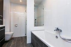 Moderne Strakke Badkamer : 86 best moderne badkamers images on pinterest houses bathroom and