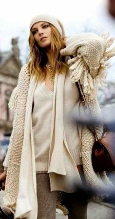 101 Winter Outfit Ideas You Must Copy Right Now Visit to see full collection Net Fashion, Fashion Models, Fashion Trends, Fall Winter Outfits, Autumn Winter Fashion, Winter Stil, Cosy Winter, Winter White, Cold Weather Fashion