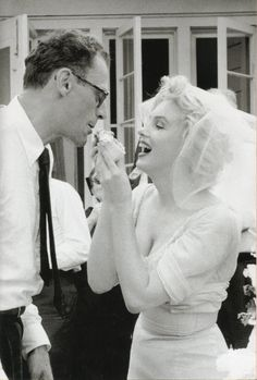 Bildresultat för marilyn and arthur at their wedding day july 1956
