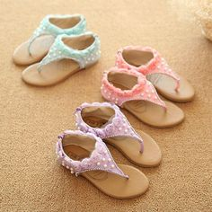 Fashion, Clothing, Shoes: Six shapes of compound your summer sandals that will make you look comfortable and chic Cheap Sandals, Kids Sandals, Flat Sandals, Shoes Sandals, Girls Flip Flops, Cute Baby Shoes, Girls Flats, Pearl Design, Childrens Shoes
