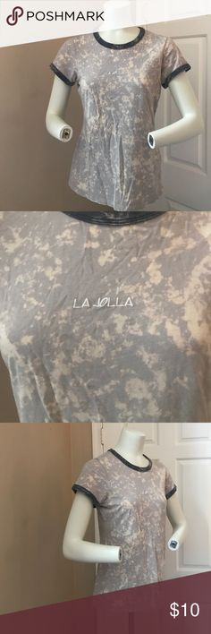 Acid Wash Tee Gently worn, great condition. Light acid wash tee. Small graphic. Brand for exposure. Size says large fits more like a medium Forever 21 Tops Tees - Short Sleeve