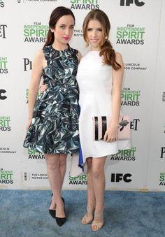 @AKendrickBR: Foto Anna e Zoe Lister Jones no Red Carpet do Spirit Awards :)