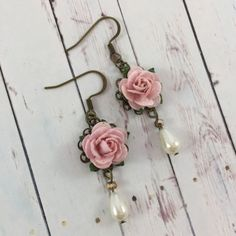 Hey, I found this really awesome Etsy listing at https://www.etsy.com/listing/516720701/flower-and-pearl-earrings-with-pastel