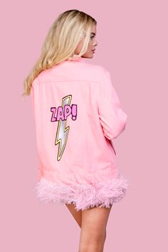 pink hand painted denim jacket DARIA Y MARIA with detachible ostrich feathers. www.dariaymaria.com #portugal #lisbon #lisboa #dariaymaria #dariamariadesign #london #popartjacket #milano #london #рисунокнаодежде #курткаспринтом