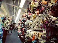 Průvodce šitím: Jak správně nakupovat látky? Díl 1.. Moje finanční možnosti byly navíc skromné, takže nad každou dražší látkou jsem hodně přemýšlela a kupovala hraniční množství, takže jsem občas...