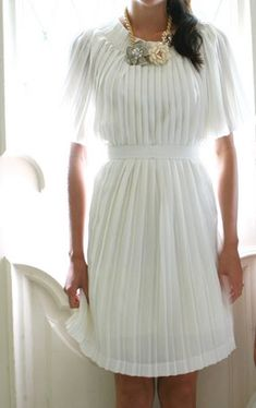 falda larga plisada vestido resultado http://www.ideasdiy.com/ropa-diy/convierte-una-falda-larga-plisada-en-un-vestido/