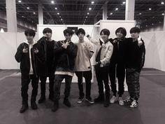 Bts Group Photos, Group Pictures, Foto Bts, Bts Photo, Boy Squad, Blackpink And Bts, Bts Funny Videos, Worldwide Handsome, Bts Korea