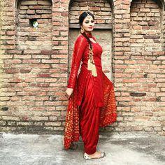 Patiala Salwar Suits, Patiala Suit Designs, Salwar Dress, Shalwar Kameez, Yellow Punjabi Suit, Punjabi Suits, Beautiful Girl In India, Beautiful Girl Photo, Beautiful Women