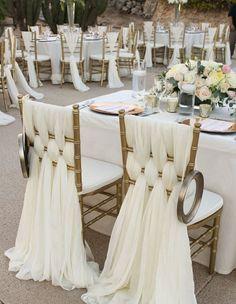 Il y a un effet recherché pour ces chaises. Il semblerait que plusieurs longs…