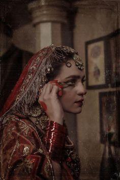 Indian Aesthetic, Aesthetic Girl, Pakistani Bridal, Pakistani Wedding Dresses, Bridal Looks, Wedding Looks, Beauty Routine Tips, Pakistani Fashion Party Wear, Beautiful Women Over 40
