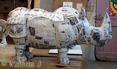 Rhinocéros en papier journal