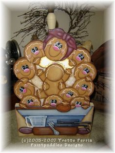 Items similar to Gingerbread Family Bakery Paper Towel Holder E Pattern on Etsy Gingerbread Decorations, Christmas Gingerbread, Christmas Diy, Christmas Ornaments, Gingerbread Men, Gingerbread Cookies, Industrial Paper Towel Holders, Paper Towel Crafts, Paper Plates