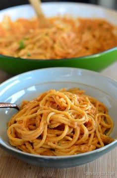 Slimming Eats Creamy Tomato Pasta Sauce - vegetarian, Slimming World and Weight Watchers friendly