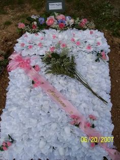 Browse all of the Grave Blanket photos, GIFs and videos. Find just what you're looking for on Photobucket Grave Flowers, Funeral Flowers, Diy Grave Blankets, Cemetery Decorations, Funeral Ideas, Memorial Flowers, Floral Garland, Floral Arrangements, Florals