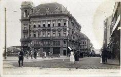 Rua Libero Badaró, a partir da Praça do Patriarca. Década de 1920.