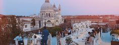 Amazing view over the Gran Canal from The Gritti Palace // destination wedding // videographer Alessandro Bordoni