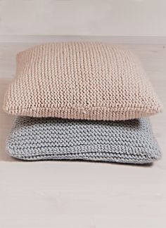 Neulottu tyynynpäällinen Novita Naava tai Novita Hile   Novita knits